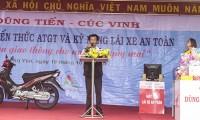 Đ/c Nguyễn Công Hoa - Bí thư Chi bộ, Hiệu trưởng nhà trường phát biểu trong buổi tập huấn