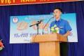 Ông Nguyễn Hoàng Giang, Bí thư Đoàn trường, bàn giao học sinh về sinh hoạt hè tại địa phương